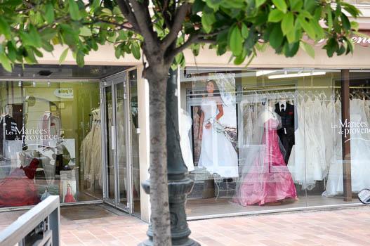 Robe de mariée fluide bohème près de Avignon