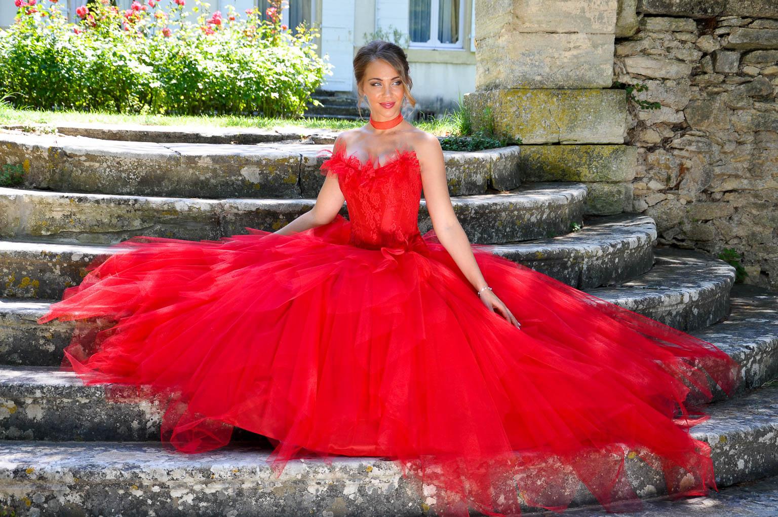 Robes De Mariees Rouges Pour Les Mariees De Provence
